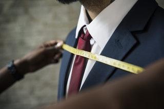 Hogyan válasszunk esküvői öltönyt?