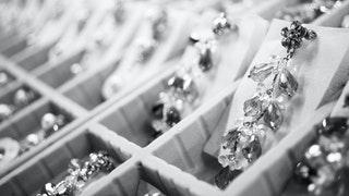 Az ezüst ékszerek előnyei és hátrányai